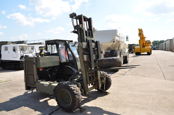 WAS SOLD Moffett Mounty M2275 forklift Truck-mounted forklifts