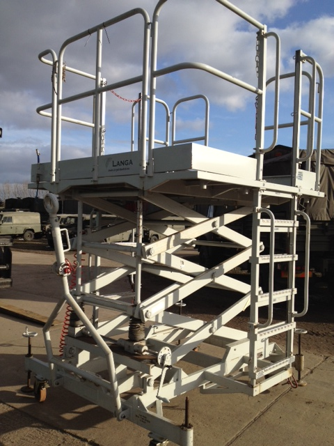 WAS SOLD Aircraft Staging Platform