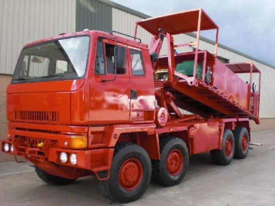 WAS SOLD Leyland DAF 8x6 hook lift system with lube unit