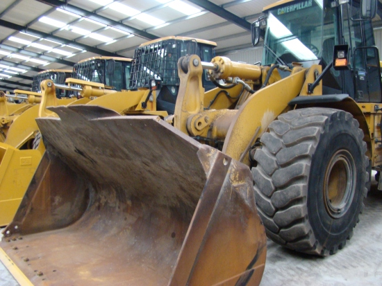 Caterpillar 966H wheeled loader