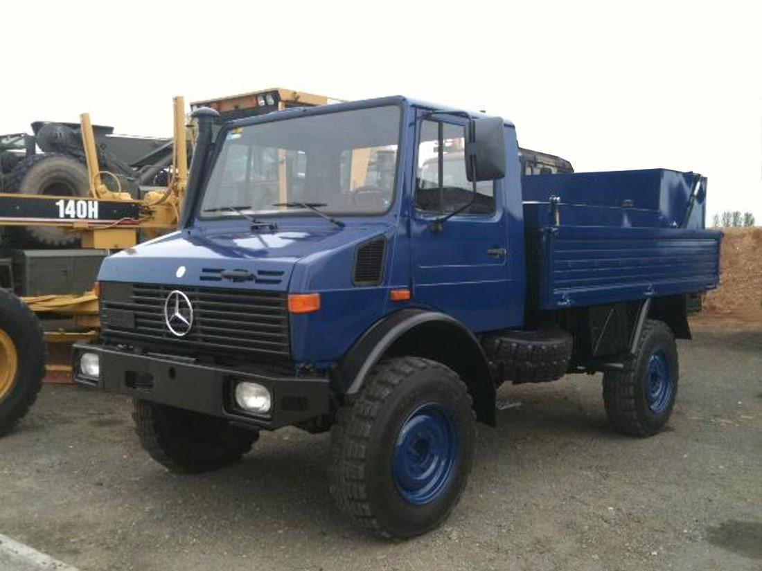 Mercedes Benz Unimog U1300L Fuel Truck    4x4