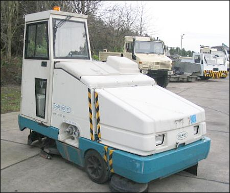 WAS SOLD Tennant 8400 Sweeper
