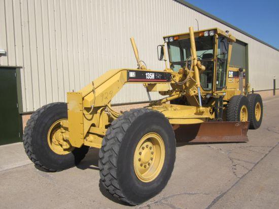 WAS SOLD Caterpillar  135 H motor graider