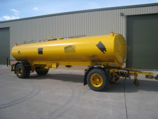 WAS SOLD Crane Fruehauf tanker trailer  20,457 litres.