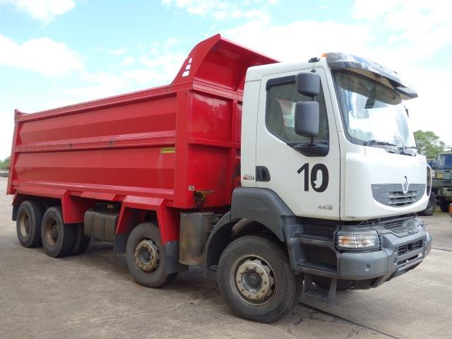 Choice of 2 Renault Kerax 440 DXi 8x4 tipper trucks