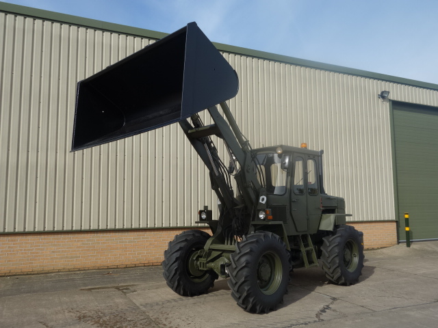 Just arrived ex.military Volvo 4200 loader